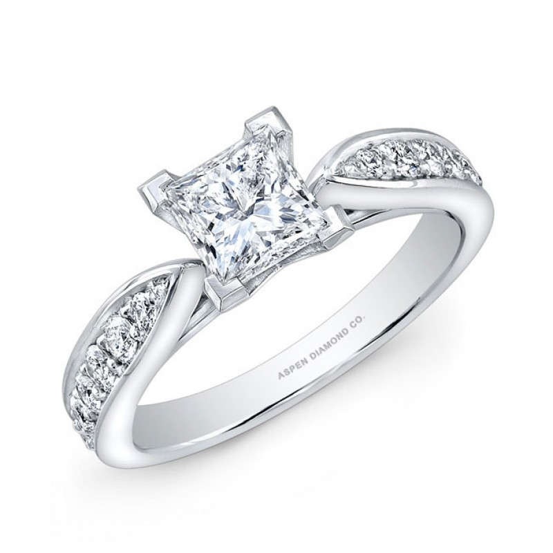 Princess Cut Diamond Engagement Ring in 18K White Gold