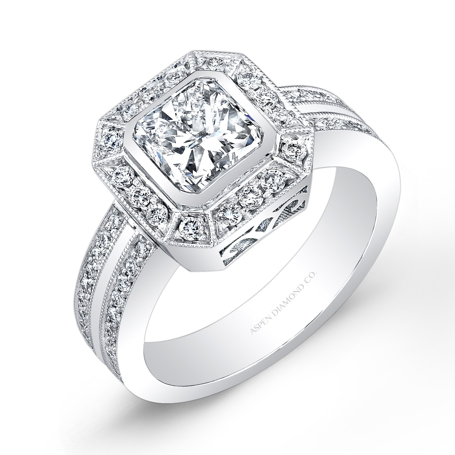 Radiant Cut Diamond Engagement Ring in 18K White Gold