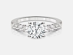 Round Brilliant Diamond Engagement Ring in 18K White Gold